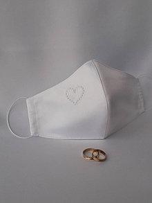 Rúška - Saténové rúško 2-vrstvové s výšivkou Srdiečko - 12387417_