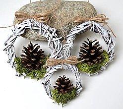 Dekorácie - Vianočné ozdoby-Venčeky so šiškou-sada 6 kusov - 12388574_