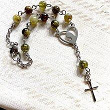 Náramky - Rosary Stainless Steel Green Garnet Bracelet / Ruženec na ruku alebo do auta so zeleným granátom (chirurgická oceľ) - 12398203_