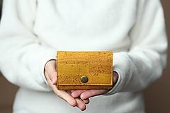 Peňaženky - Korková peňaženka S - žltá - 12397836_