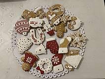 Drobnosti - Vianočne medovníky s dierkou na zavesenie - 12396340_