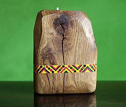 Svietidlá a sviečky - Ručne maľovaný dubový svietnik - 12397457_