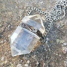 Náhrdelníky - Cínovaný náhrdelník - Krištáľový dvojšpic - 12404627_
