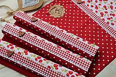 Úžitkový textil - Bodkované prestieranie-jahôdka - 12402156_