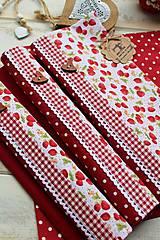 Úžitkový textil - Bodkované prestieranie-jahôdka - 12402165_