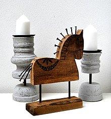 Socha - Drevený koník so železnou hrivou - 12400791_