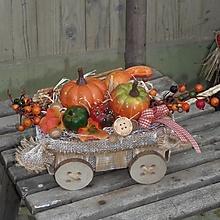 Dekorácie - Jesenná dekorácia s tekvičkami na vozíku - 12408959_