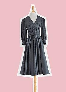 Šaty - Sivé bavlnené bodkované šaty s viazaním v páse - 12410850_