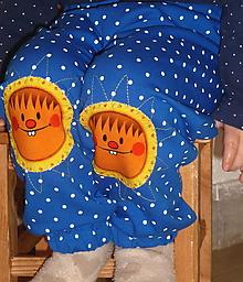 Detské oblečenie - Tepláčky Slniečka na modrej - 12413993_