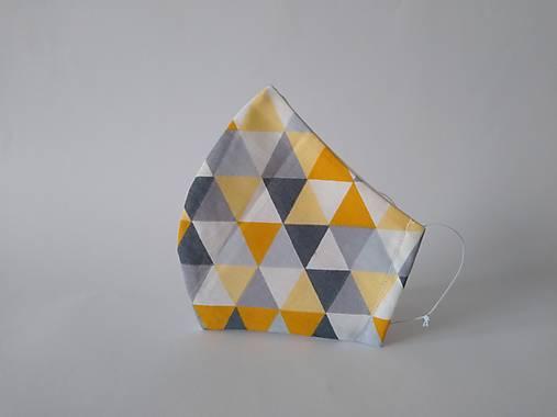 AKCIA dizajnové rúško trojuholníky tvarované dvojvrstvové