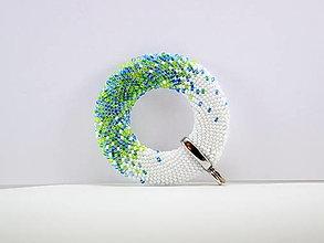 Náhrdelníky - Háčkovaný korálkový prívesok Donut Modrá lagúna - 12426928_