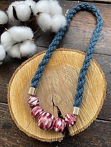 Náhrdelníky - Malované růžové korálky na petrolejovém laně - 12422871_