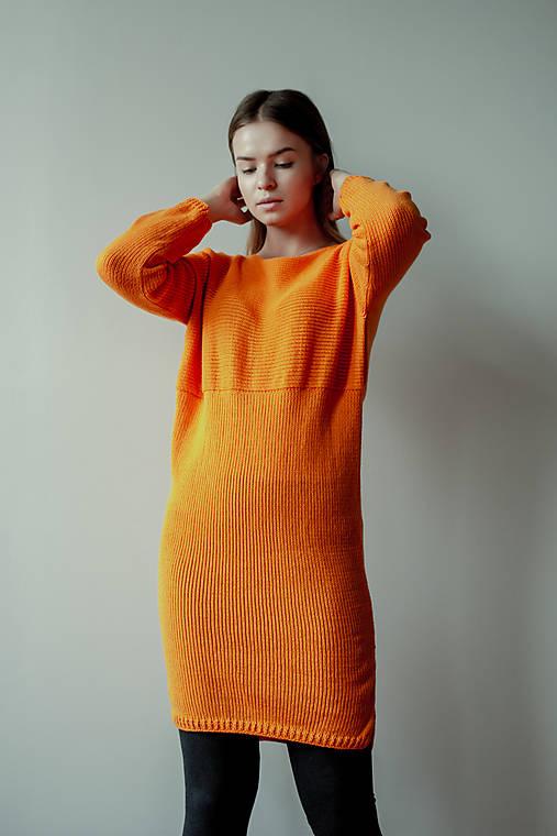 Svetre/Pulóvre - Oranžové šaty CROSS - 12430503_