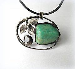 """Náhrdelníky - cínový šperk s minerálom """"Lístok"""" - 12430824_"""