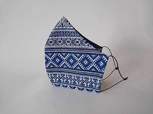 Dizajnové rúško folklór modrý tvarované dvojvrstvové