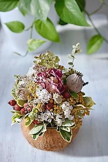 Dekorácie - Jesenná kytička v kokosovej nádobe - 12436544_