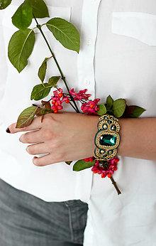 Náramky - Smaragdovo-zlatý náramok - 12442046_