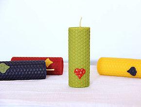 Svietidlá a sviečky - dekorovaná sviečka 100% včelí vosk - 12446195_