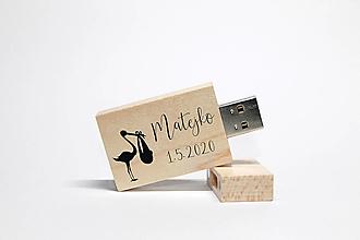Drobnosti - DREVENÉ USB_NAŠE DIEŤATKO - 12447535_
