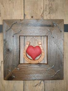 Obrazy - Obraz s rámom zo starého dreva - Srdce v podkove - 12449779_
