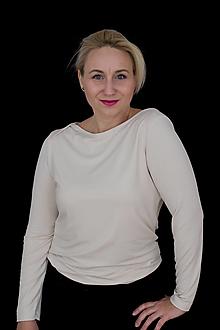 Topy, tričká, tielka - Elegantný kémový top s prekríženými ramenami - 12454000_