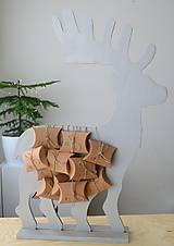 Dekorácie - Adventný kalendár strieborný jeleň - 12454701_