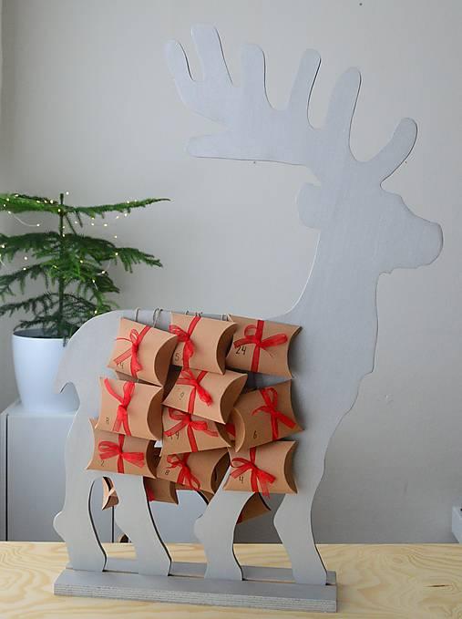 Adventný kalendár strieborný jeleň