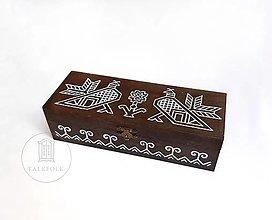 Krabičky - Ručne maľovaná krabica na čaje Čičmany (V7.7cm-D24cm-S16cm (4 priečinky)) - 12459557_