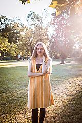 - Šaty žlté bez rukávov - 12464709_