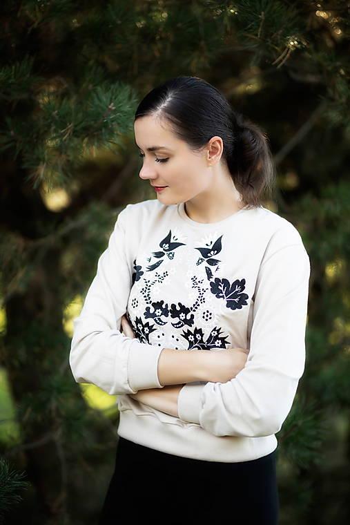mikina Sága krásy