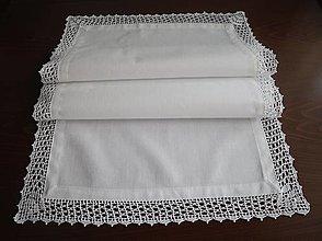 Úžitkový textil - Obrúsok s háčkovanou krajkou (99 x 46 cm) - 12472762_