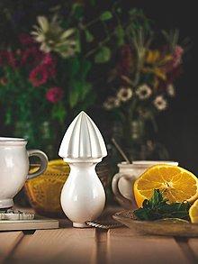 Pomôcky - Citrusovač - lis na citrusy - bílý - 12470081_