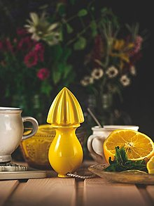 Pomôcky - Citrusovač - lis na citrusy - žlutý - 12470107_