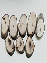 Dekorácie - Drevené plátky z orecha, oválne, nepravidelné - balenie 8 ks - 12470821_