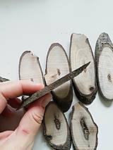 Dekorácie - Drevené plátky z orecha, oválne, nepravidelné - balenie 8 ks - 12470825_
