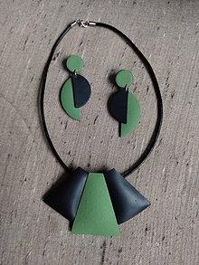 Sady šperkov - Zelenočierny náhrdeľník a náušnice - 12473145_