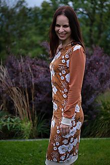 Šaty - Úpletové šaty hnedé s kvetmi - 12477456_
