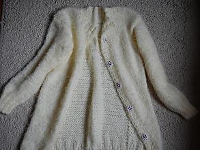Detské oblečenie - jemnučký svetrík klasického strihu, dlhší - 12475423_