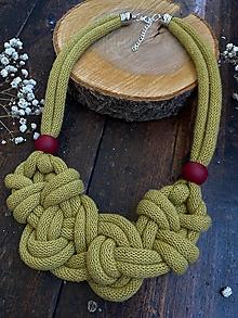 Náhrdelníky - Kiwi uzel s korálky - 12474137_