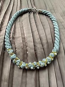 Náhrdelníky - Šedý pošitý perlami - 12478243_