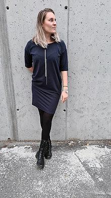 Šaty - Šaty rovný strih M15 - tmavomodré, strieborná II - 12484050_