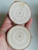 Dekorácie - Plátky z vianočného stromčeka 2019 - priemer 5 - 5,5 cm - 12484957_