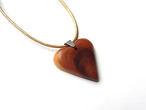 Náhrdelníky - Drevené srdce - 12492968_