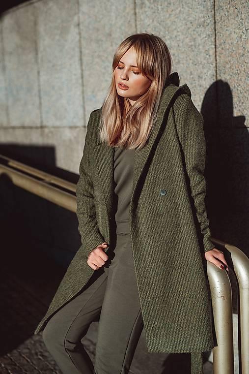 Kabáty - Zelený kabát s kapucí - 12491087_
