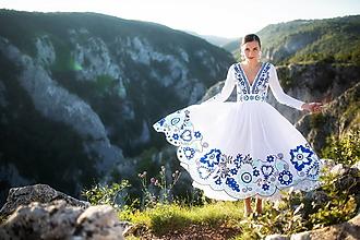 Šaty - biele vyšívané šaty Sága krásy - 12495235_