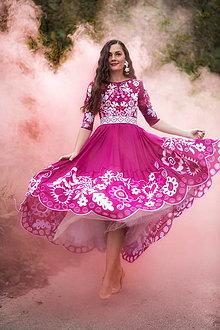 Šaty - ružové vyšívané šaty Sága krásy - 12495541_