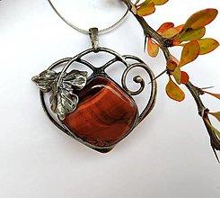 Náhrdelníky - Cínový šperk s minerálom  LIST - 12496765_