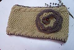 Ozdoby do vlasov - pletená čelenka bledohnedej farby s kvetom - 12499376_