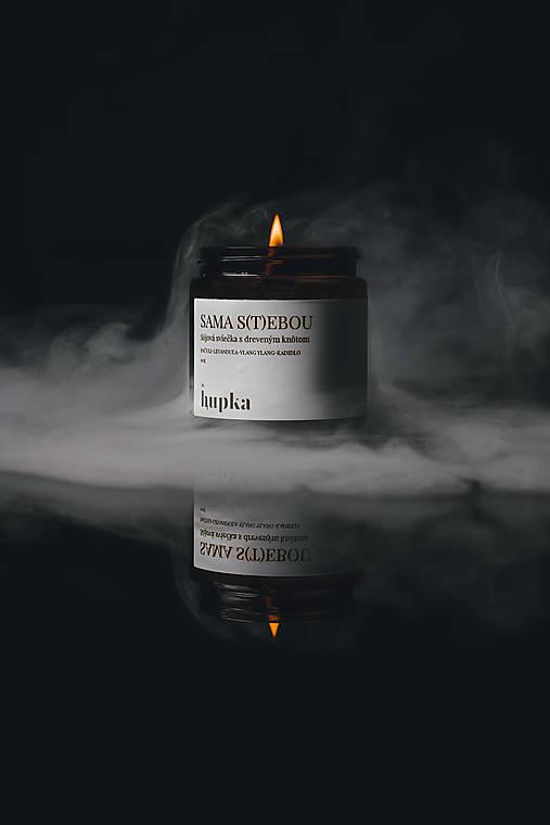 Svietidlá a sviečky - SAMA S(T)EBOU sójová sviečka s bavlneným knôtom - 12499893_