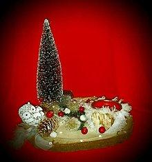 Svietidlá a sviečky - Vianočná dekorácia s chlpatým svietnikom - 12499361_